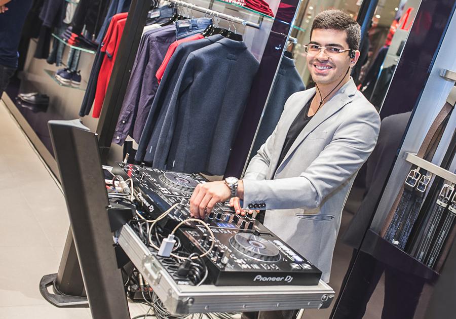 DJ Pedro Garcia e uma playlist especial para J. Simões | Play!