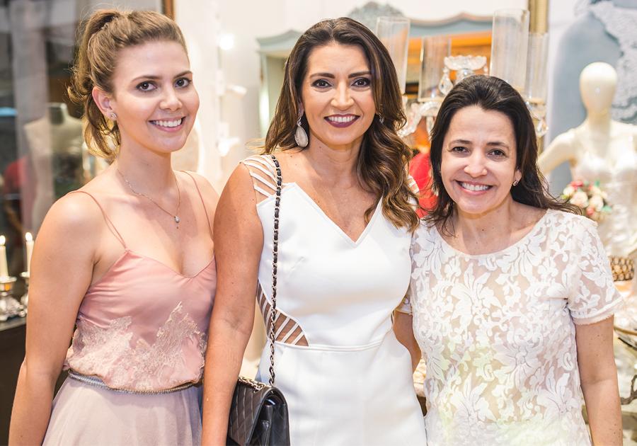 Rosanna Cavalcante, da Miss Mano, anuncia volta ao mundo das noivas couture!