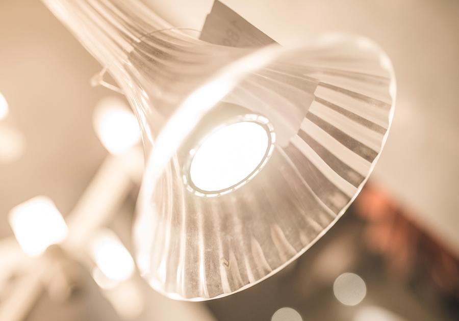 O vidro é o material chave pra deixar a decoração arrojada | Paroma tem as dicas