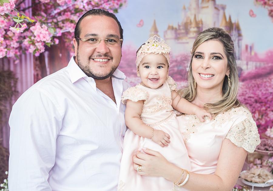Israel e Sara Rocha Brasil comemoram 1 aninho de Sofia | Vem ver!