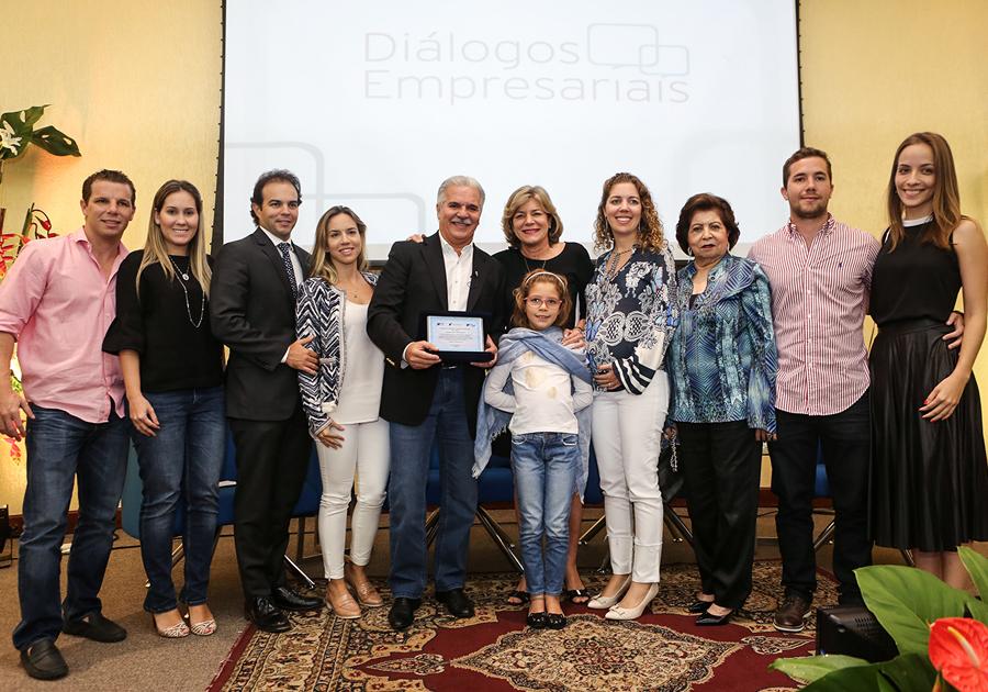 """Pio Rodrigues Neto emociona e inspira em """"Diálogos Empresariais"""", na CDL"""
