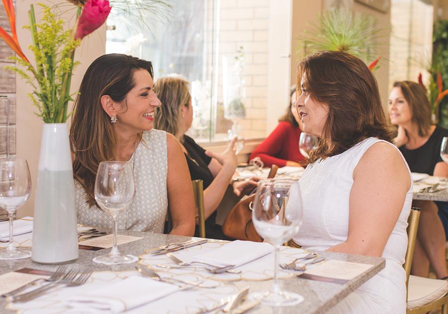 Lia e Bárbara Freire celebram um ano de sucesso da Caramelo Bakery!