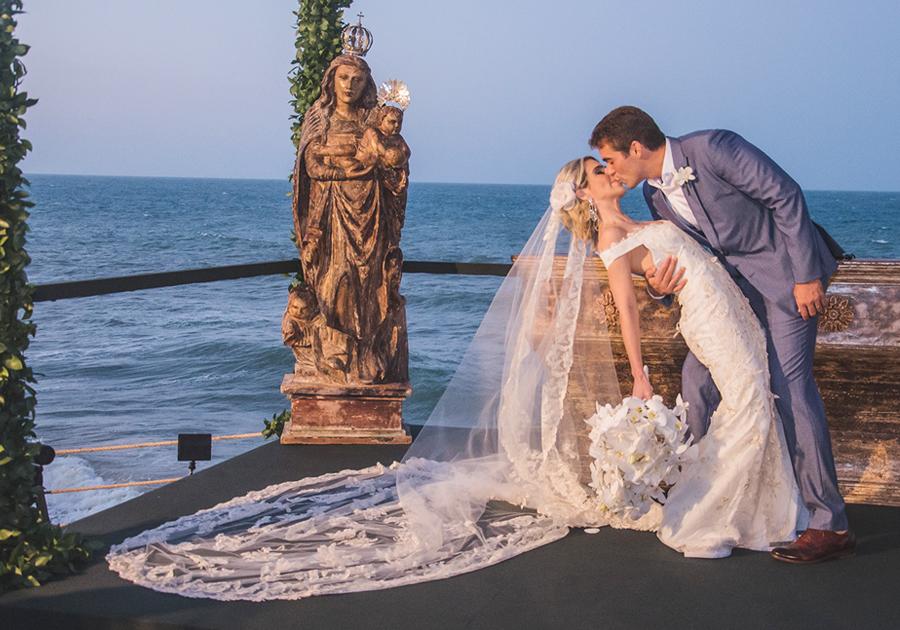 Amanda Távora e Leonardo Vidal se casam em cerimônia inesquecível!