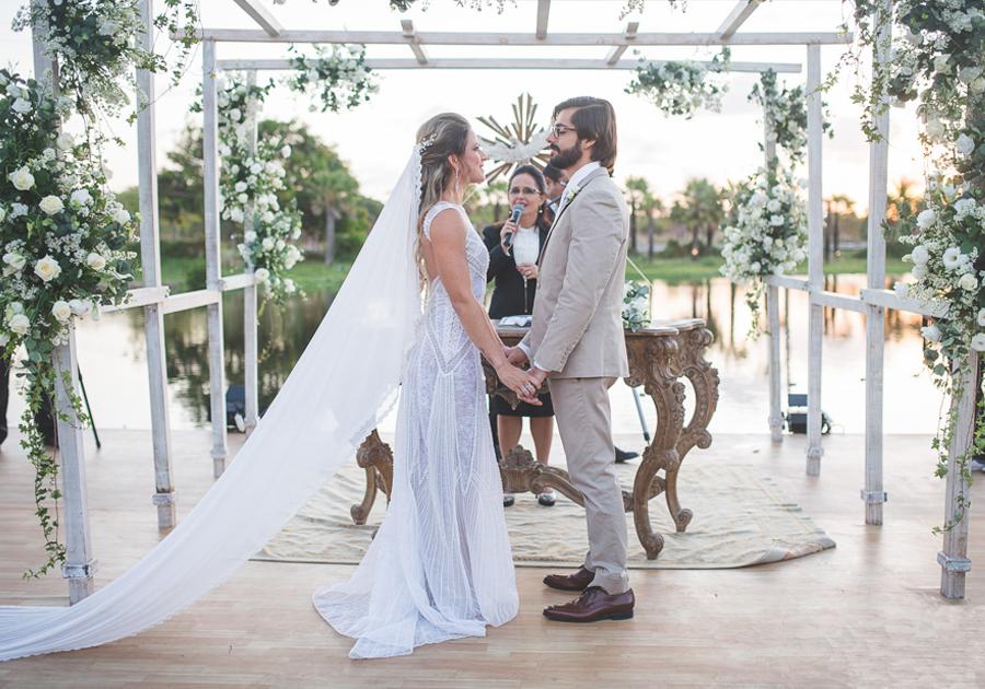 O casamento (com vista paradisíaca) de Natacha Franklin e Lucas Mororó!
