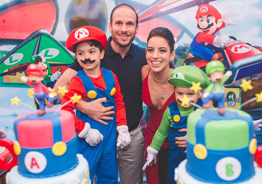 Tici e André Parente comemoram bday dos filhos com festa animada!