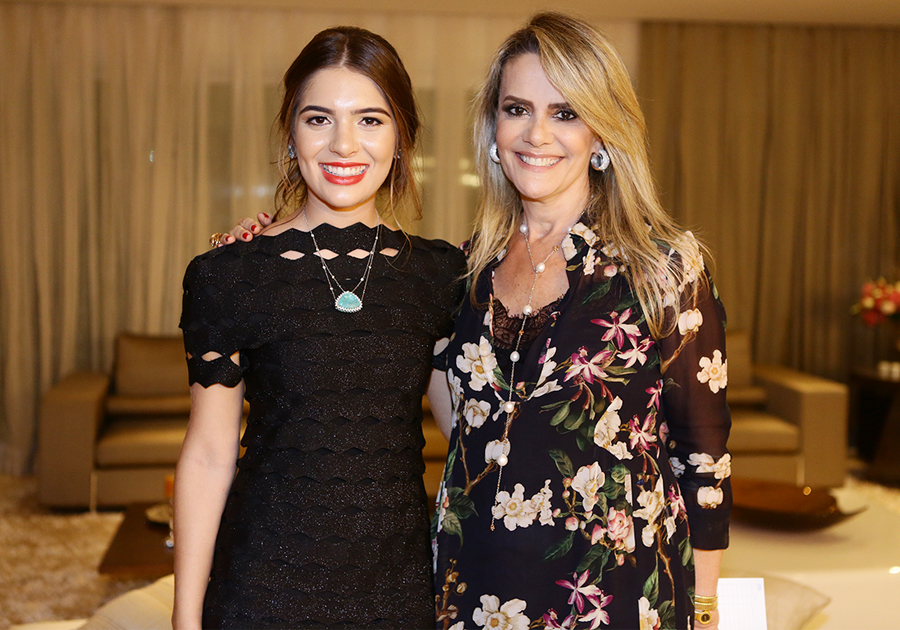 Naia Cunha visita Fortaleza e expõe suas joias no apartamento de Marina Brandão!