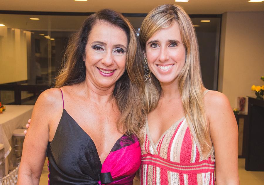 Noite pra pedir bis! | Cristina Montenegro e seu aniversário cheio de alto-astral