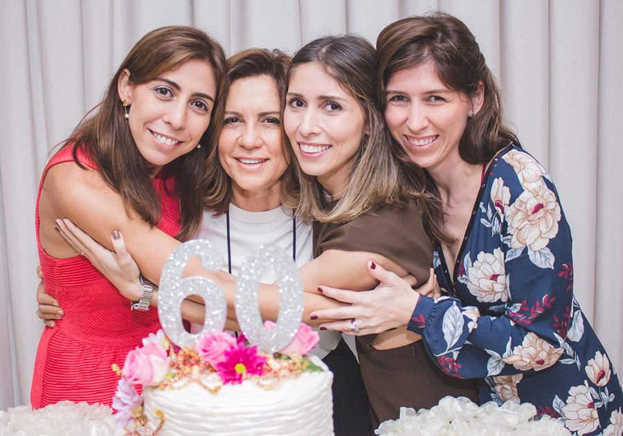 Carinho que surpreende | Bday de Fernanda Torres com amigas