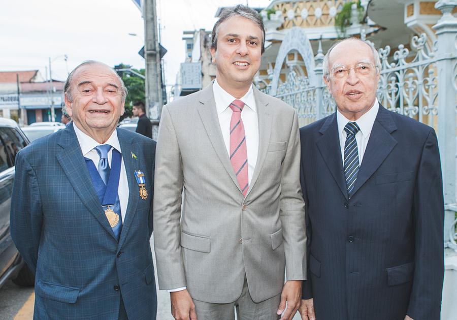 Lúcio Alcântara é empossado novo presidente do Instituto do Ceará   Confira!