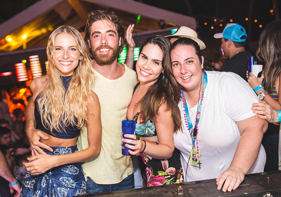 Pôr do Samba esquentou o feriado na Santa Flecheiras   Vem ver!