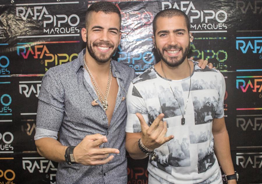 #EsquentaVumbora | Colosso Lake Lounge recebe Pipo e Rafa Marques pra agitar o Pôr do Samba!