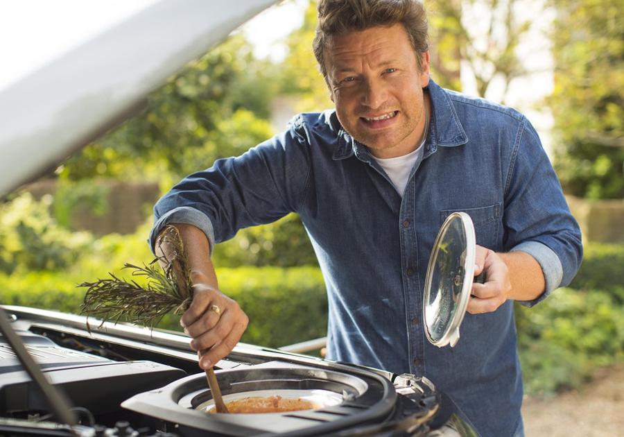Cook and Drive | Chef Jamie Oliver ganha Discovery personalizado pela Land Rover