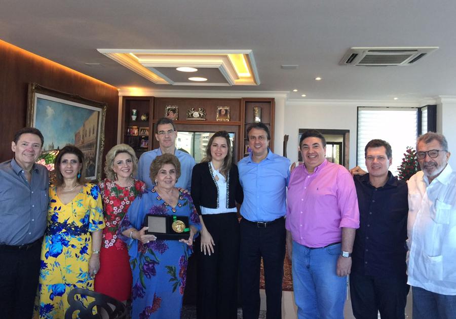 Família Dias Branco é agraciada pelo Governo com Medalha Ivens Dias Branco