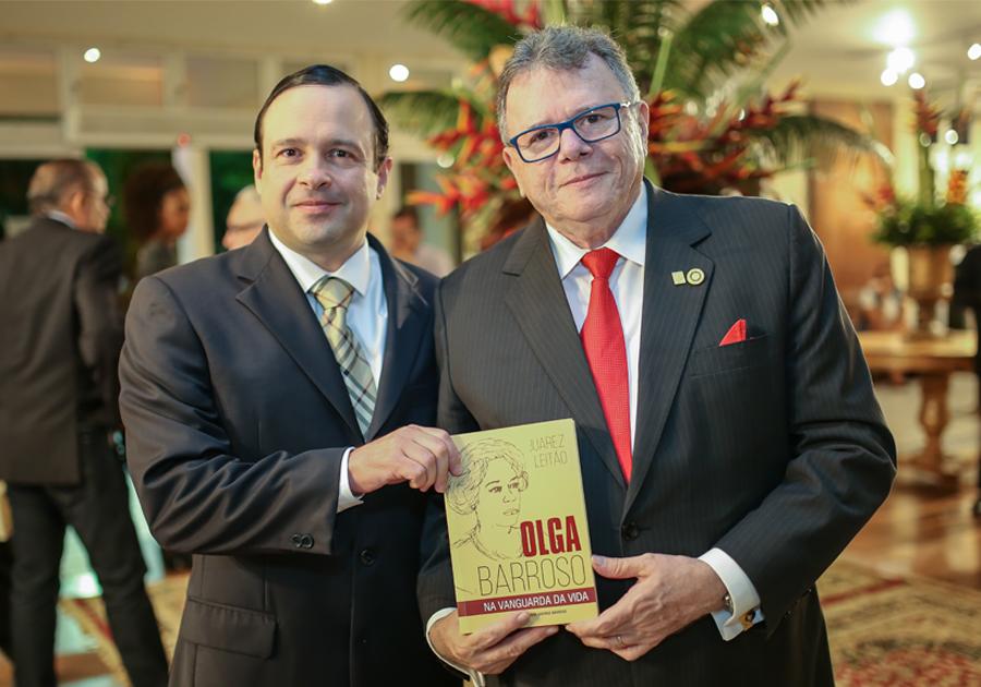 Uma mulher notável | Biografia de Olga Barroso é lançada na Unifor