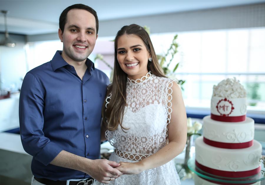 Com as bençãos de Deus | O noivado de Manuela Câmara e Tomás Morais