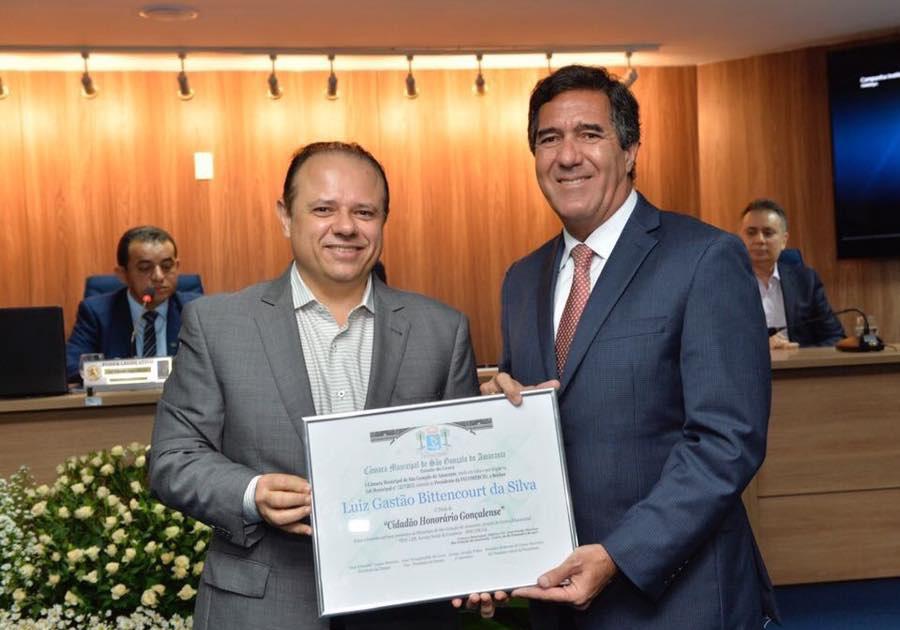 Luiz Gastão Bittencourt recebe título de cidadão gonçalense pela atuação do Sistema Fecomércio