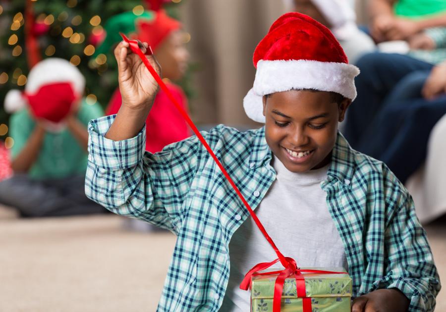 Natal dos sonhos | Shopping Benfica presenteia 3 mil crianças carentes com projeto Árvore do Bem