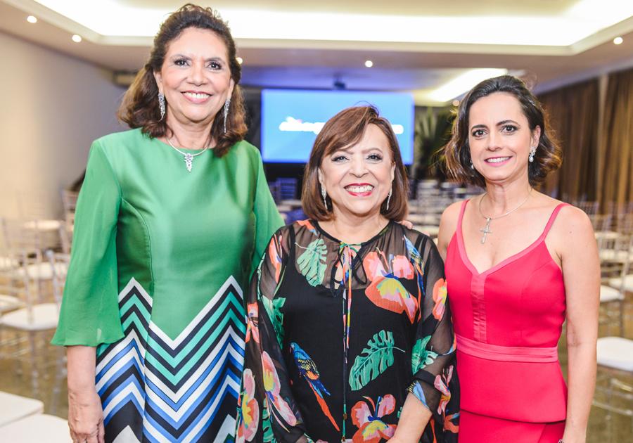 Ana D'Áurea, Natália Abreu e Rita Cruz brindam os 15 anos da Além do Olhar