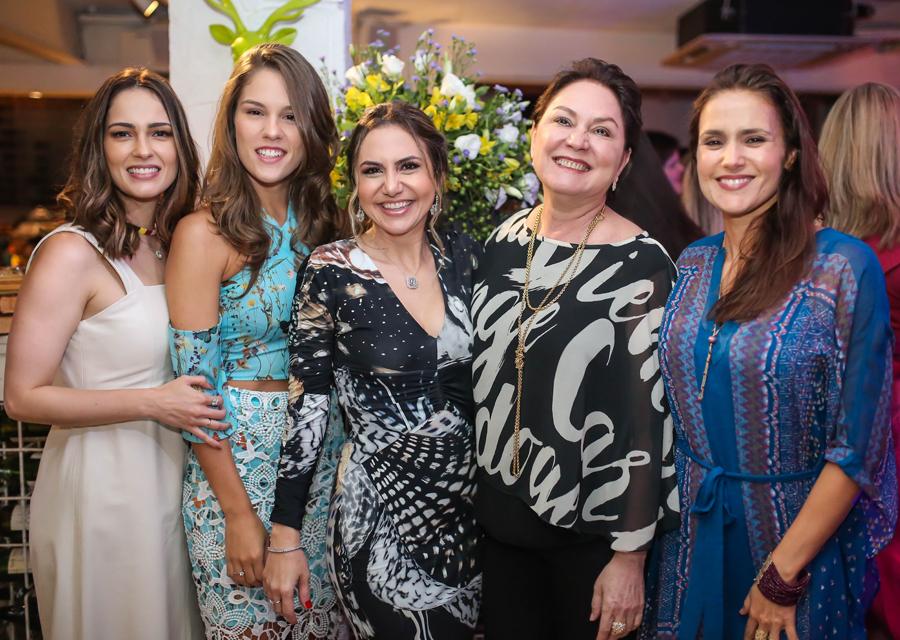 Adriana Queiroz preparou uma festa incrível de aniversário no Bistrô Garrafeira | Confira!