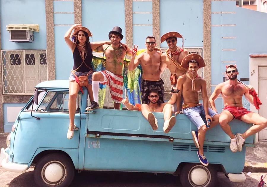 Na rua ou no sambódromo, Rio é destino predileto de cearenses para a folia | Veja!
