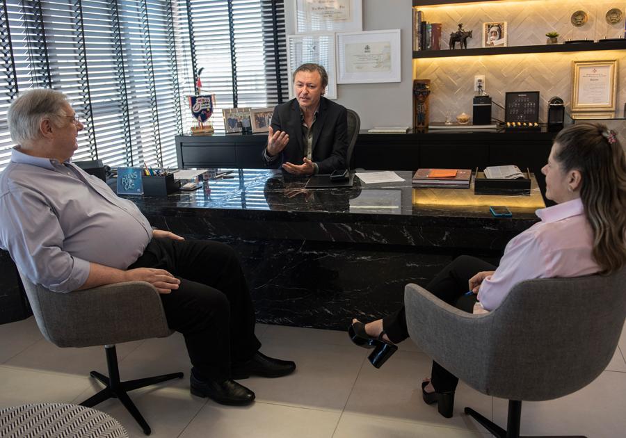 Vice-prefeito Moroni Torgan marca presença em reunião de diretoria do Sistema Fecomércio
