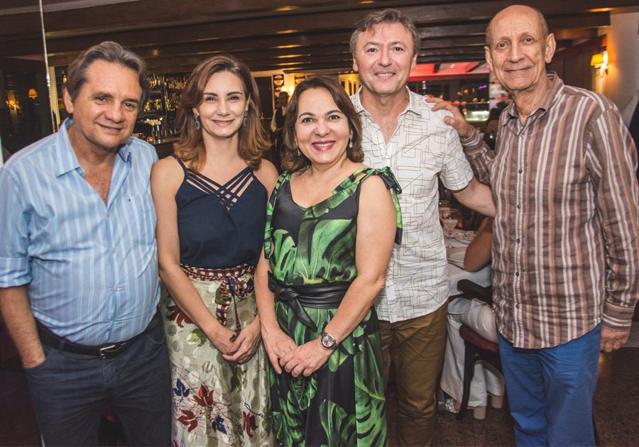 Regina Pinho reúne convidados do Colóquio Internacional Sesc e UFC em jantar no Marcel