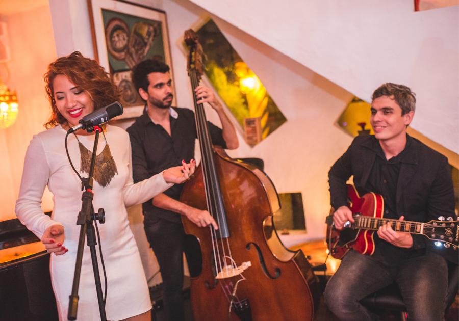 Uma pausa para conhecer o jazz contagiante do trio musical Nara Hope