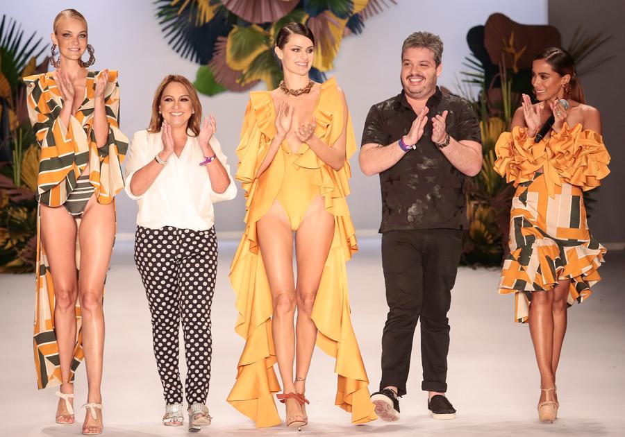 Em desfile com Anitta no SPFW, Água de Coco aposta em uma moda sem rótulos