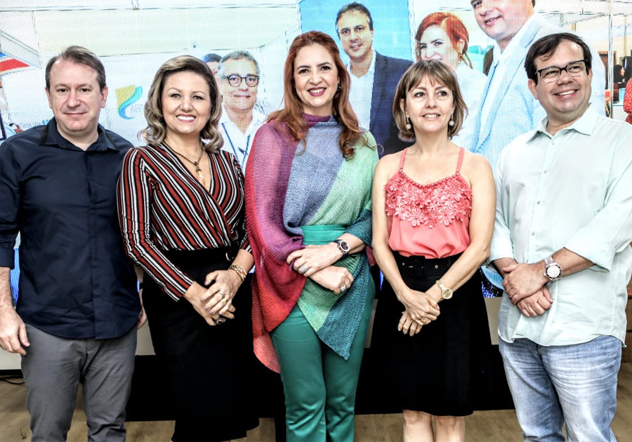 Enid Câmara promove Café de Negócios com parceiros da ABEOC Ceará
