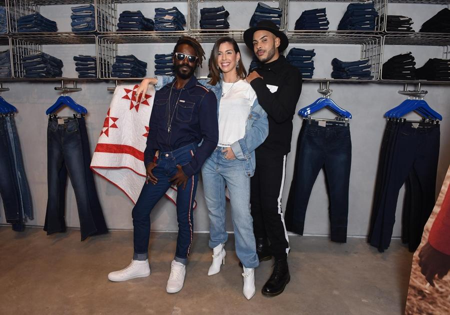 Calvin Klein inaugura primeira flagship store em São Paulo com presença de celebridades