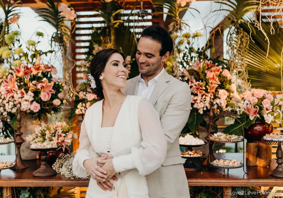 Sara Brasil dá detalhes de seu casamento com Lucas Asfor