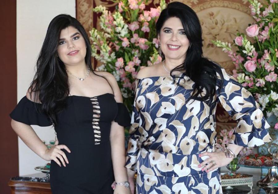 Sellene Câmara celebra mais um ano de vida rodeada de amigas