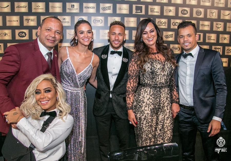 2ª edição do leilão do Instituto Projeto Neymar Jr. reúne celebridades; total de R$ 3,5 milhões é arrecadado