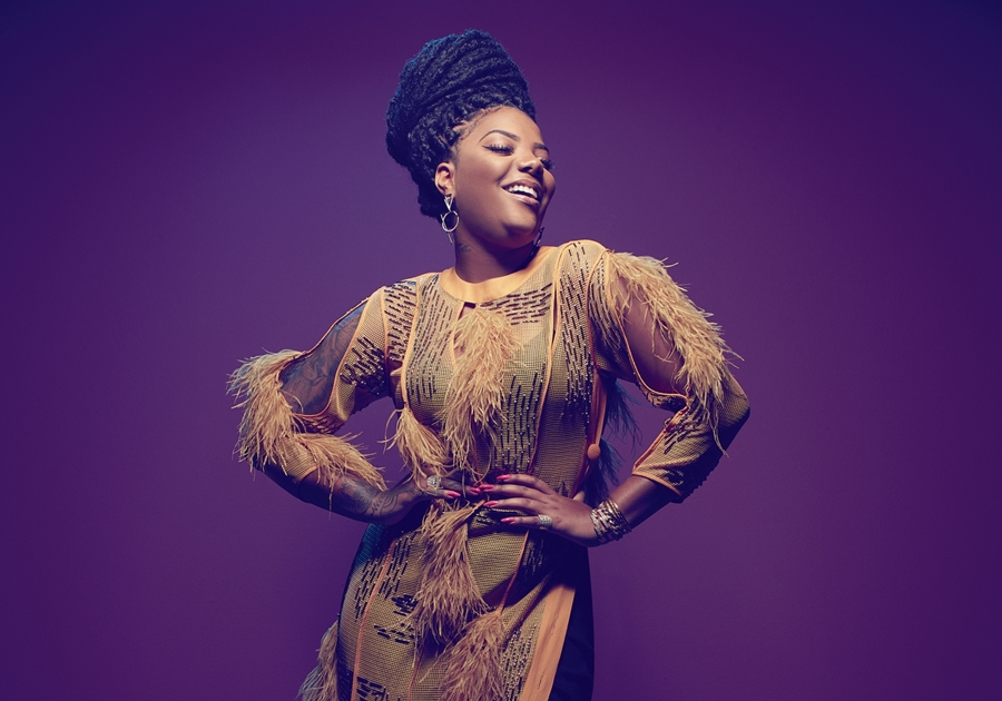 2ª artista mais escutada do Spotify Brasil, Ludmilla é capa da revista Joyce Pascowitch deste mês