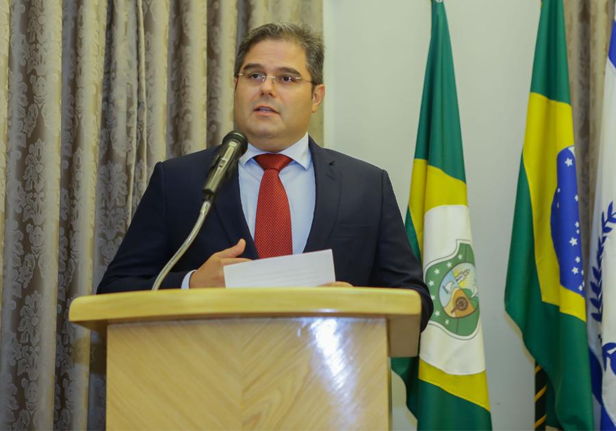 Em palestra no Gran Marquise, Edson Queiroz Neto diz que é preciso fomentar o empreendedorismo
