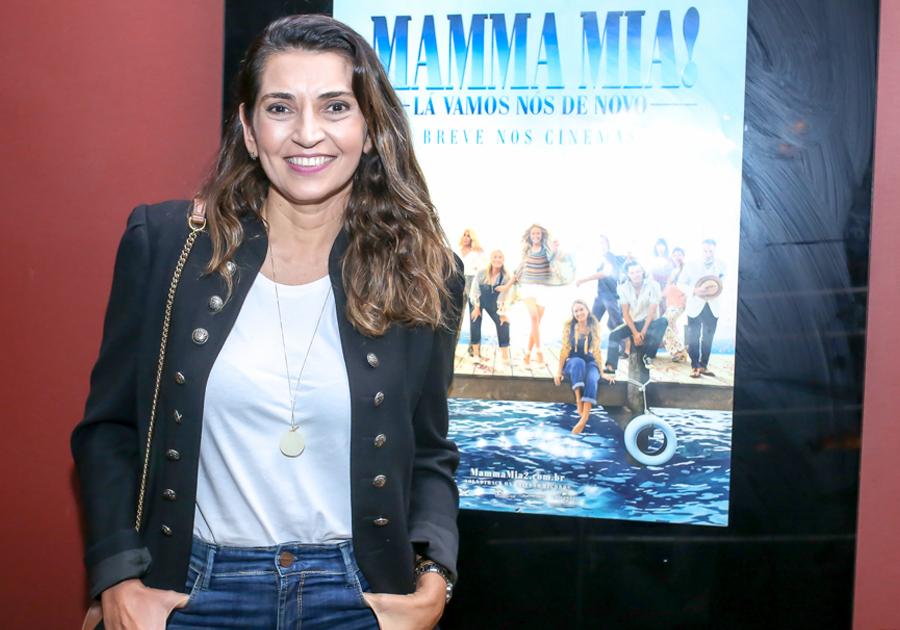 Márcia Travessoni recebe convidados para sessão emocionante de Mamma Mia: Lá Vamos Nós de Novo