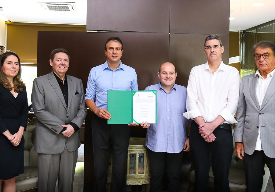Parceria entre Prefeitura, Governo e Grupo M. Dias Branco garante requalificação da Praia de Iracema
