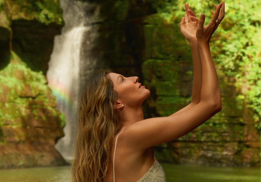 Gisele Bündchen estrela capas da Vogue Brasil em outubro; vem ver