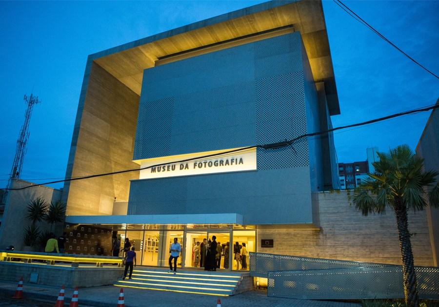 Thiago Braga ministra oficina de fotografia para celular no Museu da Fotografia