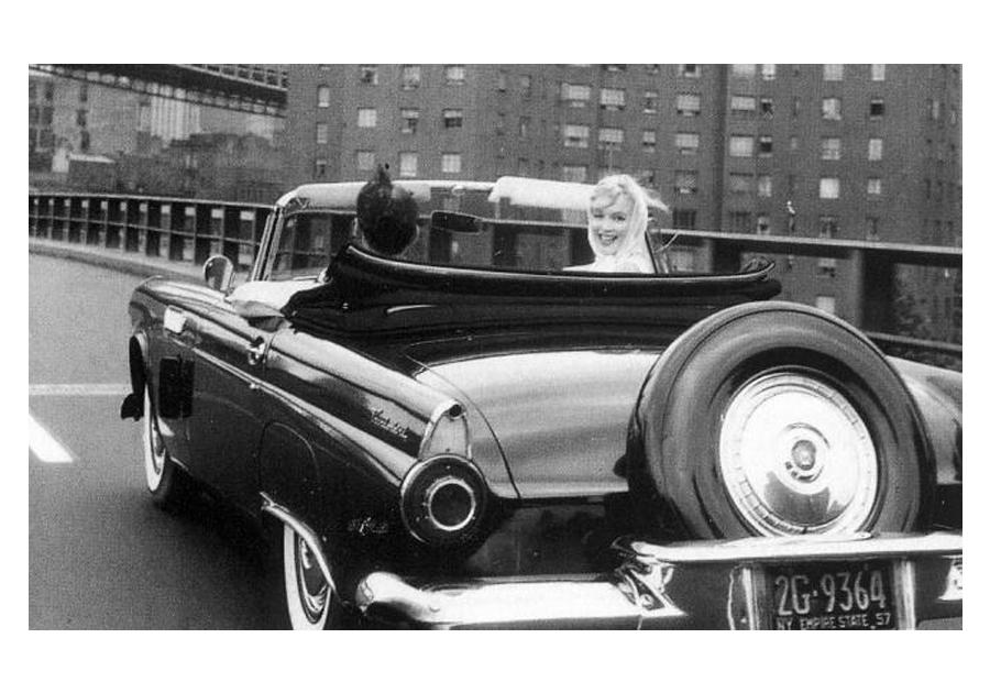 Carro conversível de Marilyn Monroe é leiloado em Los Angeles