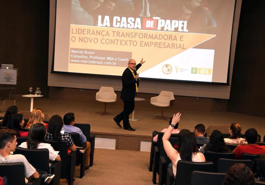 Gestão de liderança empresarial é assunto de palestra na Fiec, nesta segunda (8)