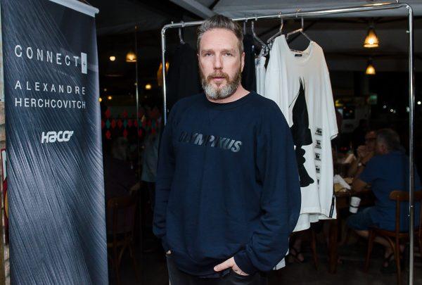 """""""Um criador de moda não precisa se ater apenas a roupas""""; uma conversa com AlexandreHerchcovitch sobre o novo momento de sua carreira"""