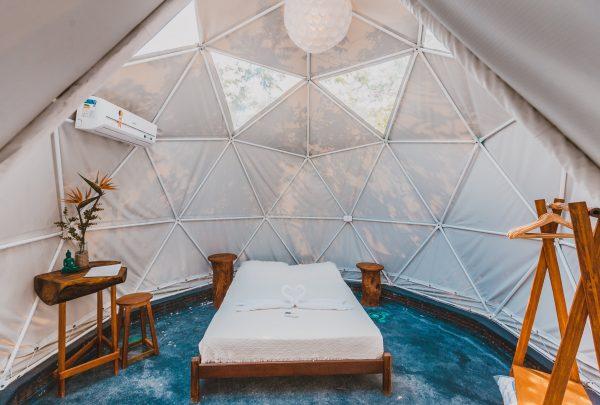 Conheça o Mundomo Glamping Jericocoara, hospedagem que é um acampamento de luxo