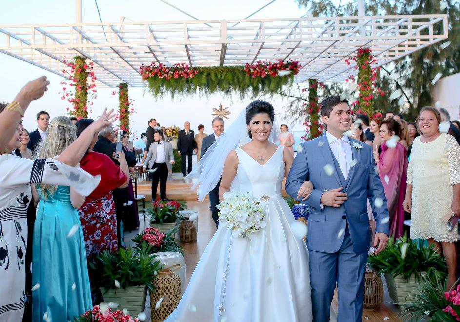 Jéssica Figueiredo e Guilherme Camarão oficializam união com cerimônia emocionante