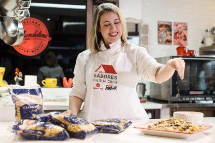 Izakeline Ribeiro ensina o passo a passo de um Fusilli Adria Grano Duro com cogumelos