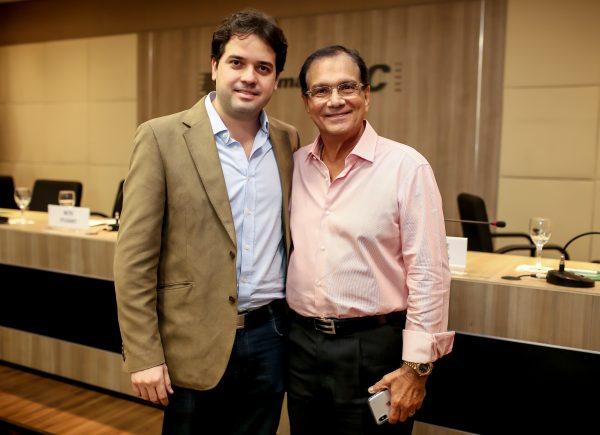 Felipe Esteves toma possa do Sindicato da Indústria Gráfica do Estado do Ceará em solenidade na FIEC