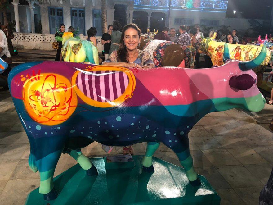 """""""A CowParade promove visibilidade e movimenta a cidade"""", diz Patrícia Macêdo; saiba como foi o coquetel de lançamento da exposição"""