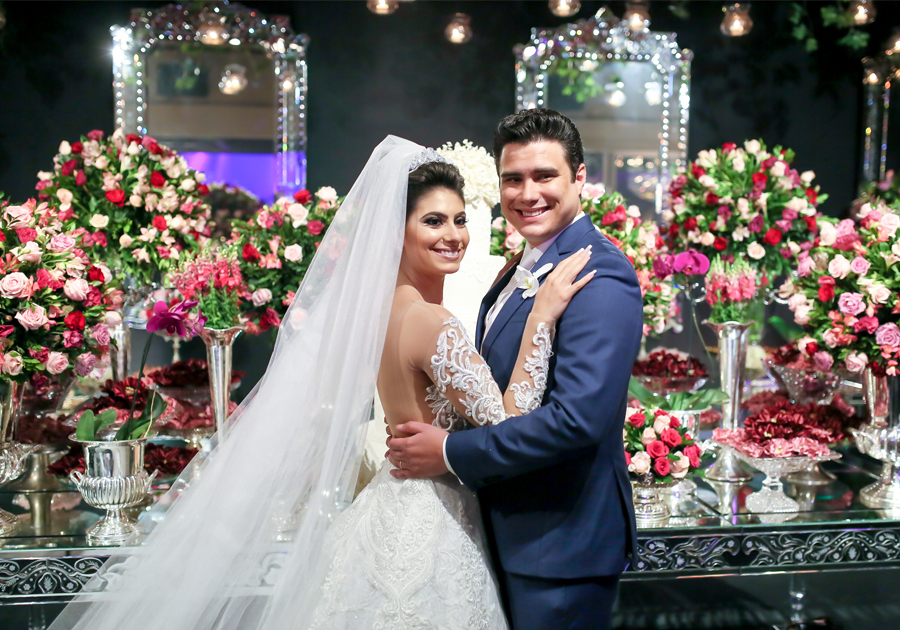 Ana Carolina Esmeraldo e Ted Pontes se casam em cerimônia emocionante na igreja Nossa Senhora do Líbano