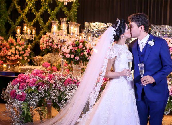 """Lorena Aragão e Igor Linhares dizem """"sim"""" em noite especial; saiba detalhes"""