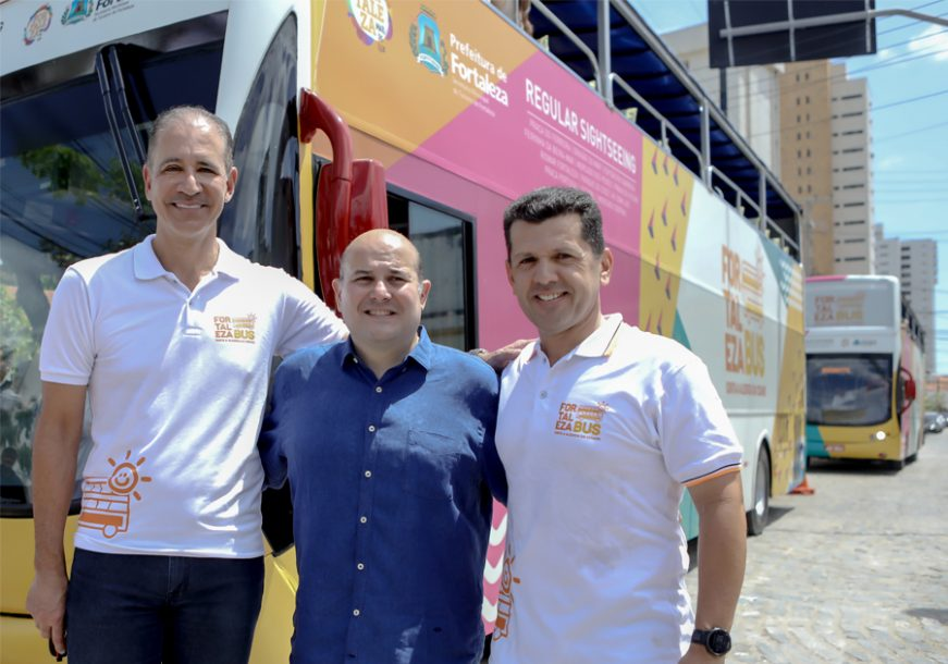 Ônibus turístico modelo Hop-on Hop-off é inaugurado em Fortaleza com viagem para a imprensa